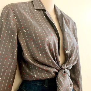 Tops - 1980s silky printed button up blouse.